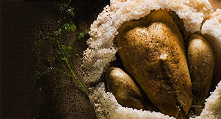 Poulet en croûte de sel et aux légumes retrouvés